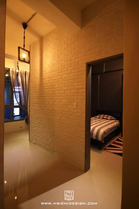 臥室:  臥室 by 協億室內設計有限公司