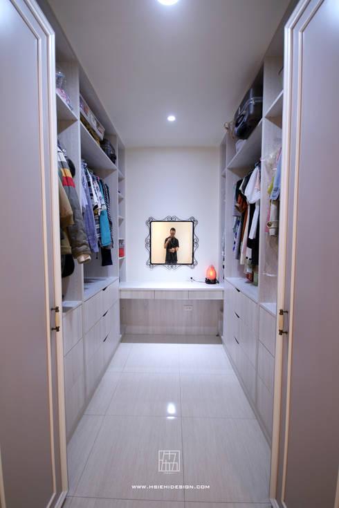 Dressing room by 協億室內設計有限公司