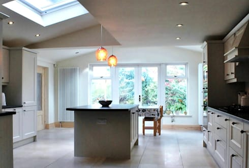 Extension, Malone, Belfast: classic Kitchen by Jim Morrison Architects