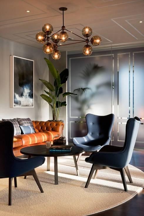 Living Room: Salas de estar  por No Place Like Home ®