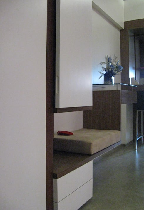 Shoe rack : modern Living room by Core Design