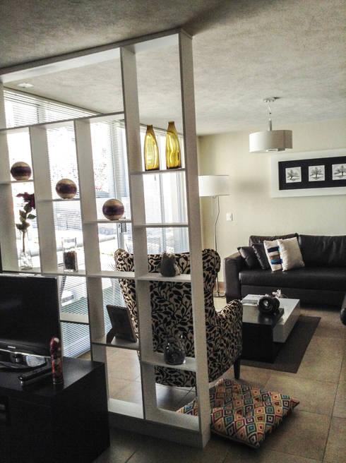 Mueble Separador : Salas de estilo moderno por Spazio3Design