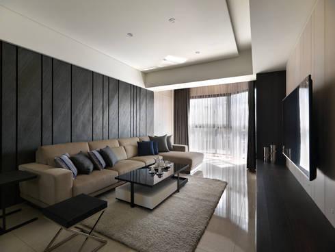 質感設計打造年輕人最愛現代風格:  客廳 by 拾雅客空間設計
