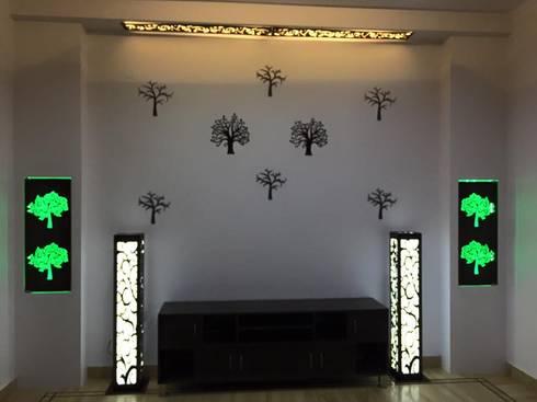 Mangla's Dining Room: modern Dining room by Designelle