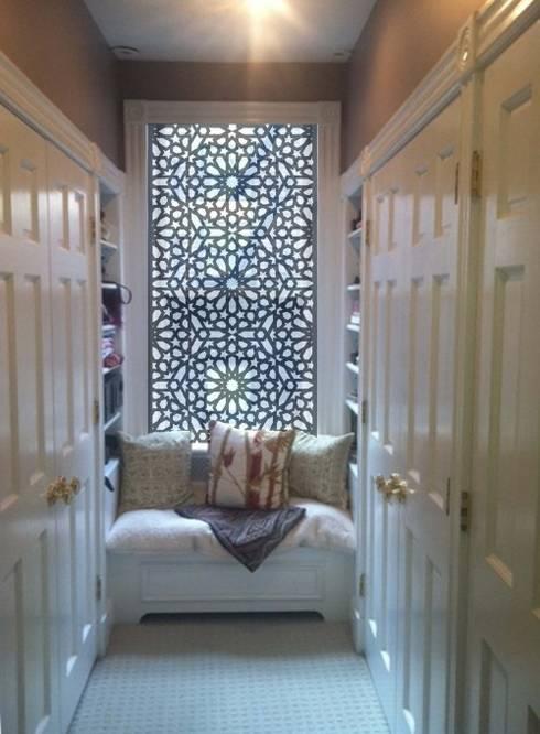 Mangla's Bedroom Dressing: modern Dressing room by Designelle