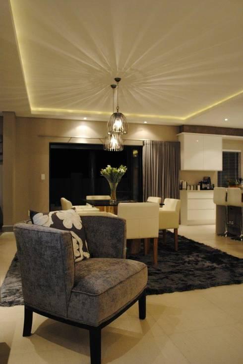 TV Room: modern Living room by Salomé Knijnenburg Interiors