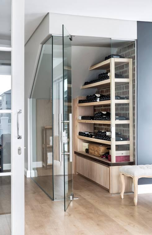 Wine cellar: classic Wine cellar by Salomé Knijnenburg Interiors