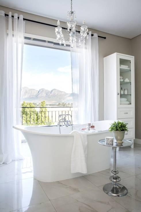 Bathroom: classic Bathroom by Salomé Knijnenburg Interiors