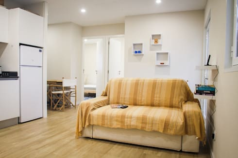 Casa da Barra: Salas de estar mediterrânicas por Artglam, Lda
