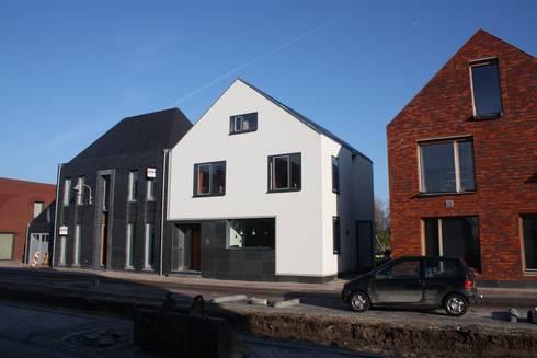 Architectenbureau jules zwijsen: wit modern huis cronenburgh homify