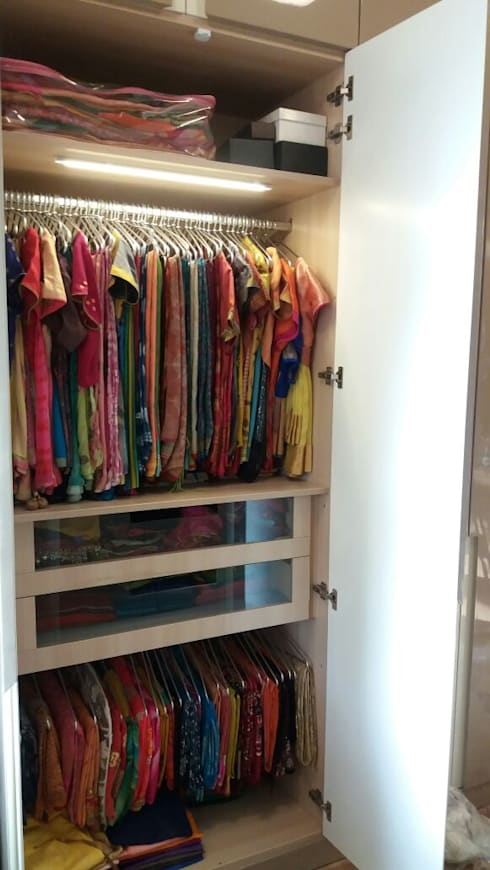 Wardrobe Design:  Bedroom by WoodStock Interior