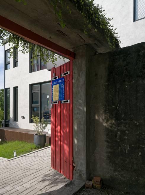2號‧源:  房子 by 洪文諒空間設計