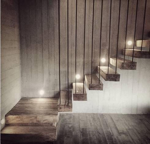 Casa Cantagua: Pasillos y hall de entrada de estilo  por F+F Arquitectos