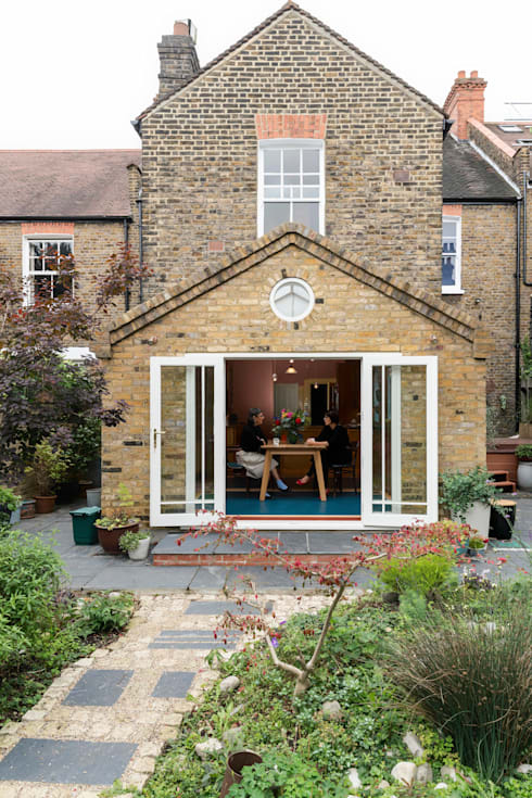 Kitchen extension in Queens Park, London: eclectic Houses by Studio 29 Architects ltd