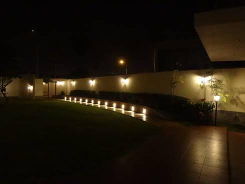Casa AB Chorrillos:  de estilo  por Arquitotal SAC