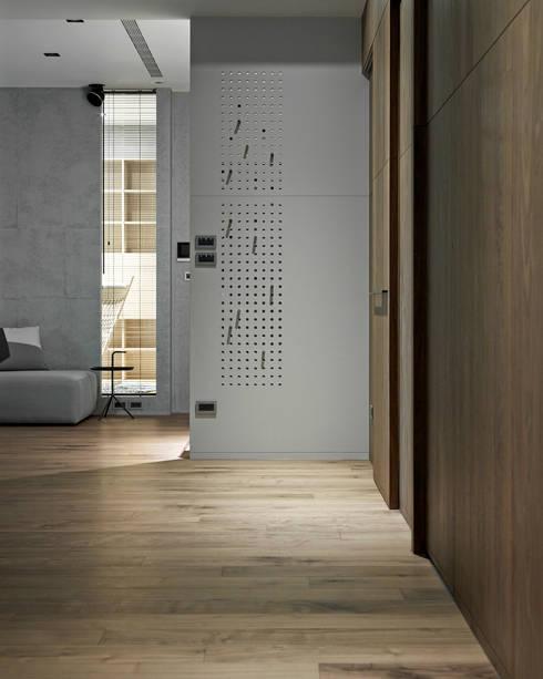 693號‧一:  牆面 by 洪文諒空間設計