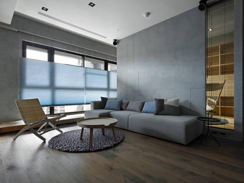 693號‧一:  客廳 by 洪文諒空間設計