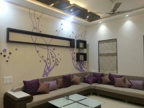 DOCTORS RESIDENCE: minimalistic Living room by YOJNA ARCHITECTS
