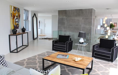 Apex Building—Penthouse: modern Living room by House of Gargoyle