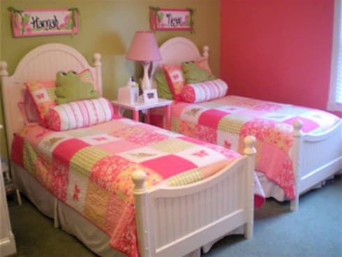 Colourful room for twin girls: colonial Nursery/kid's room by CKW Lifestyle