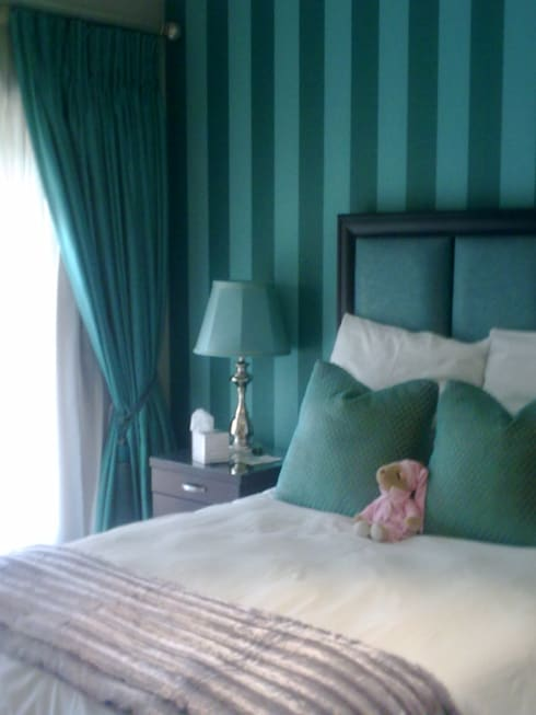 Teal Guest Suite: eclectic Bedroom by CKW Lifestyle