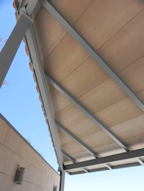 Refurbishment of existing house en Genova:  Patios & Decks by Tono Vila Architecture & Design