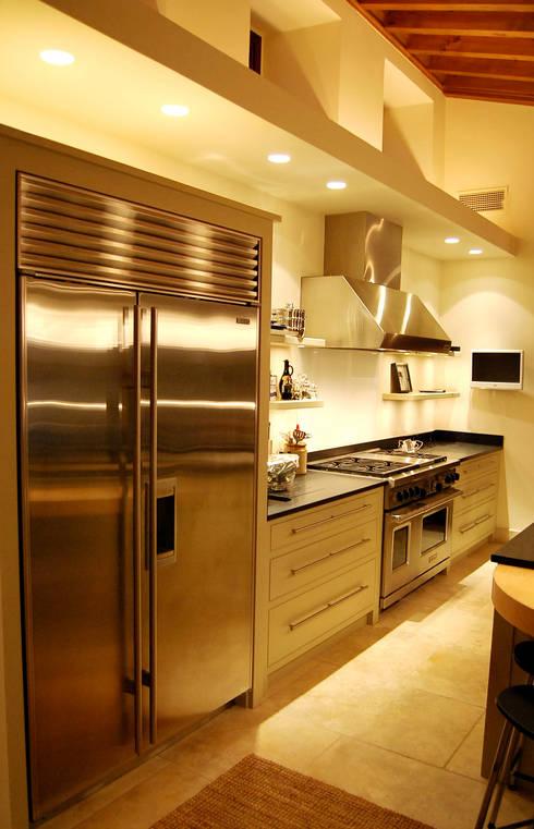 Refurbishment of existing house in Soller: modern Kitchen by Tono Vila Architecture & Design