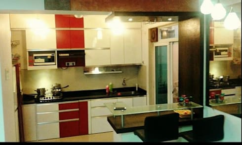 3 BHK RESIDENTIAL PROJECT @2014: classic Kitchen by SHARADA INTERIORS