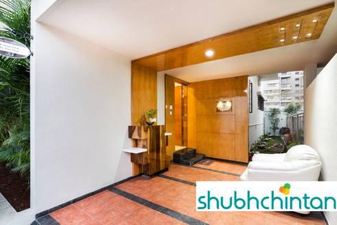 ENTRANCE LOBBY:  Corridor & hallway by shubhchintan