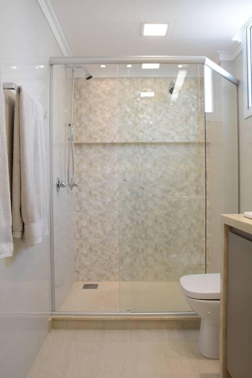 Canho Casal: Banheiros  por HAPPY Arquitetura