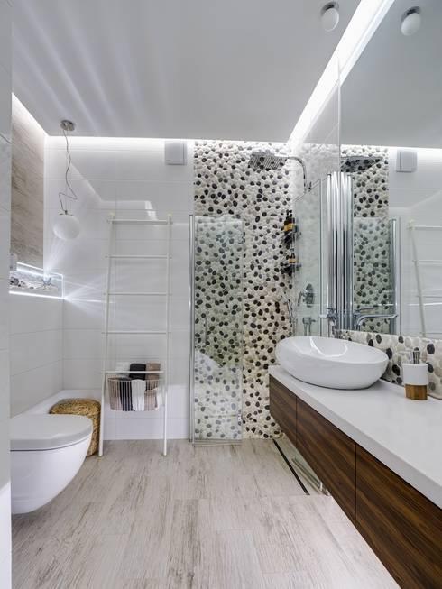Apartments for stylish women: Ванные комнаты в . Автор – Natali Vasilinka