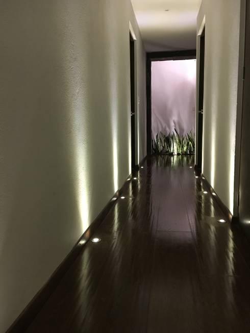 Corridor & hallway by Spazio3Design