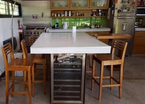 Cocina integrada al comedor en estilo industrial de for Proyecto comedor industrial