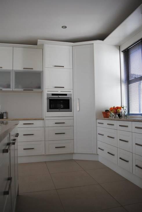 Kitchen: modern Kitchen by Salomé Knijnenburg Interiors