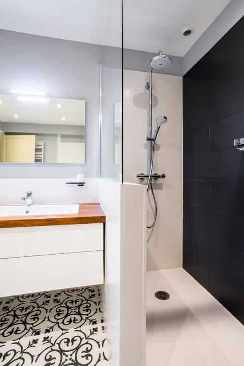 conception d 39 une salle de bains par atelier idea homify. Black Bedroom Furniture Sets. Home Design Ideas