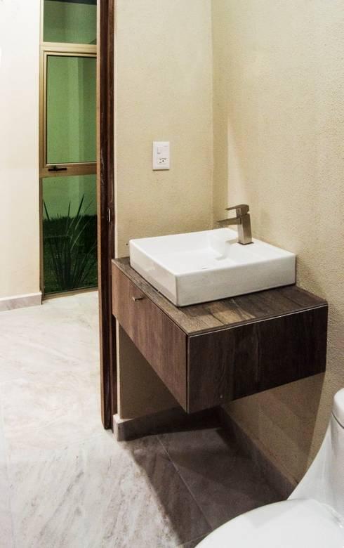 Bathroom by MOVE Arquitectos
