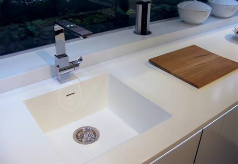 Dupont Corian Mutfak Tezgahı: modern Kitchen by KREA Granit- Mutfak Banyo Tezgahları