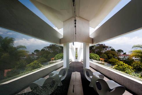 Casa 3: Terrazas de estilo  por Vivian Dembo Arquitectura