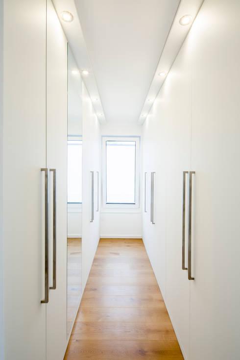 Ankleide:  Ankleidezimmer von Ferreira   Verfürth Architekten