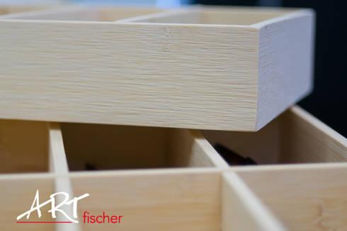 Präsentation von Brillen auf Bambus:  Geschäftsräume & Stores von ARTfischer Die Möbelmanufaktur.