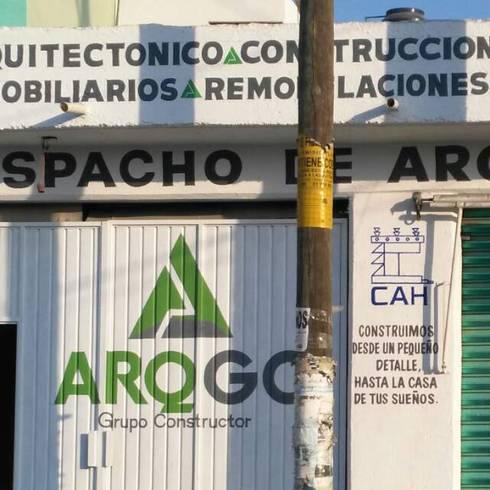 PROYECTO  NUEVO <q>TULIPANES </q>, PACHUCA HIDALGO:  de estilo  por ARQGC GRUPO CONSTRUCTOR