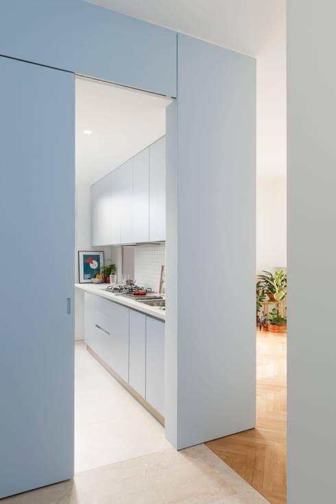 Projekty,  Korytarz, przedpokój zaprojektowane przez studio wok