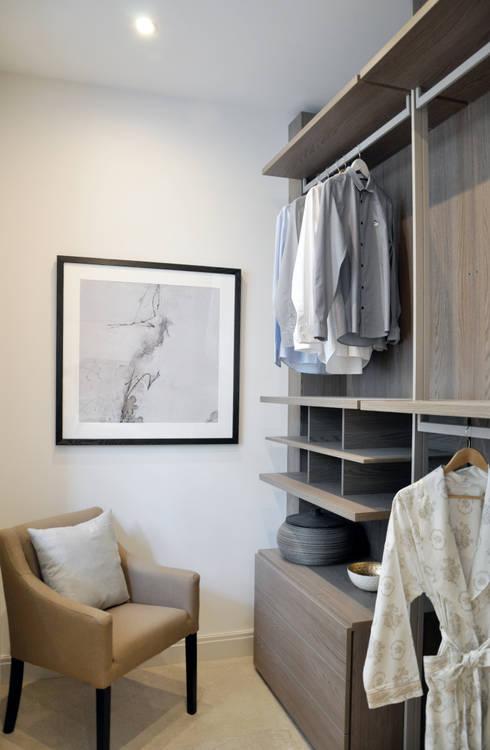 Projekty,  Garderoba zaprojektowane przez Studio TO
