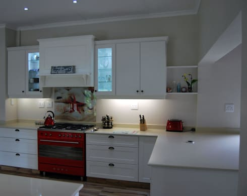 Project : Gray Thomson: classic Kitchen by Capital Kitchens cc