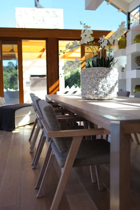 Hout Bay House : modern Dining room by M&M Designs