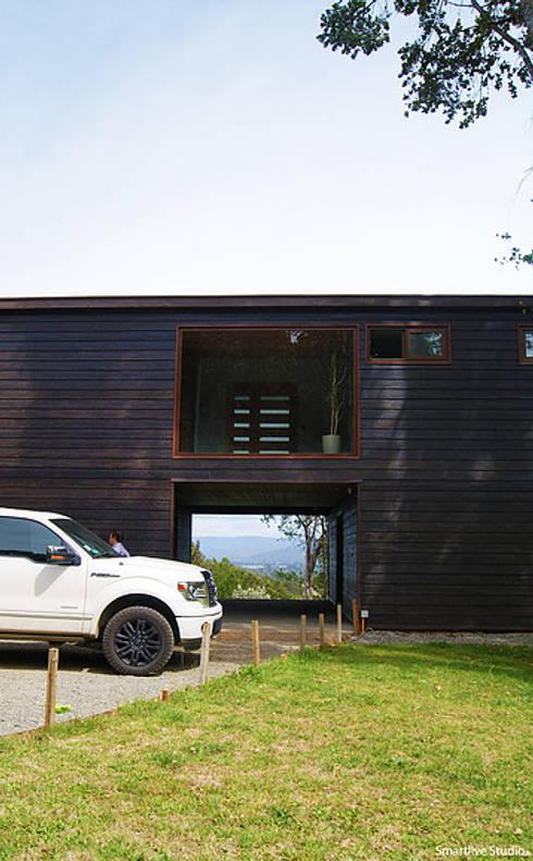 Casa R / Valdivia: Garages de estilo  por Smartlive Studio