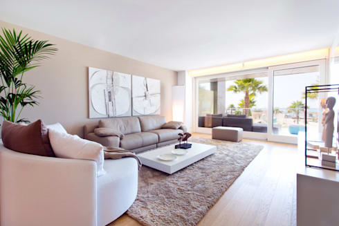 Luxury Apartment Building Marina Plaza, Portixol: modern Living room by Tono Vila Architecture & Design