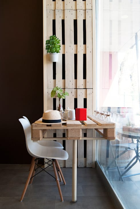 Interior 1: Espacios comerciales de estilo  por B+V Arquitectos