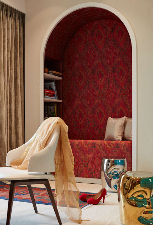 girl room with her alcove:  Bedroom by Interface