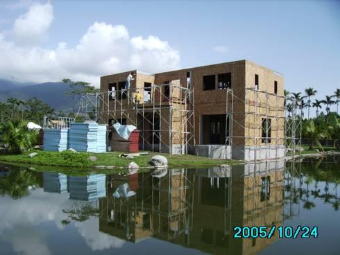 二樓牆體與三樓樓板完成:   by 台灣環球住宅股份有限公司
